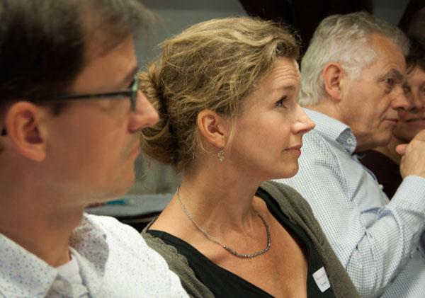 Karin Scheper tussen Goran Proot (l) en Hans Oldewarris (r).