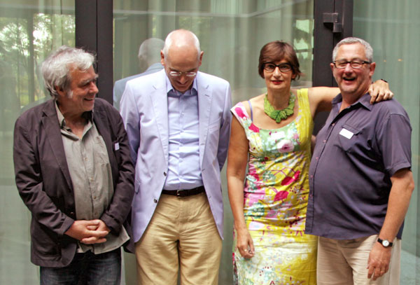 Rudy Vanschoonbeek (rechts) naast de andere sprekers. Stijn Van Rossem ontbreekt op de foto.